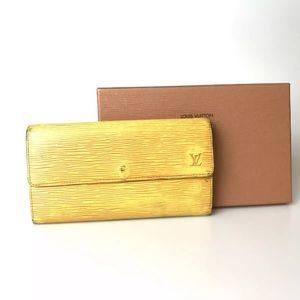 🎄Authentic Louis Vuitton Epi wallet